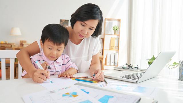 Fakta Menarik Ibu Rumah Tangga Yang Mendunia